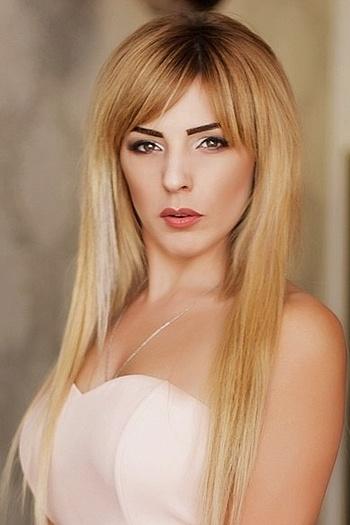Aliona age 28