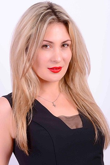 Nataliia age 33