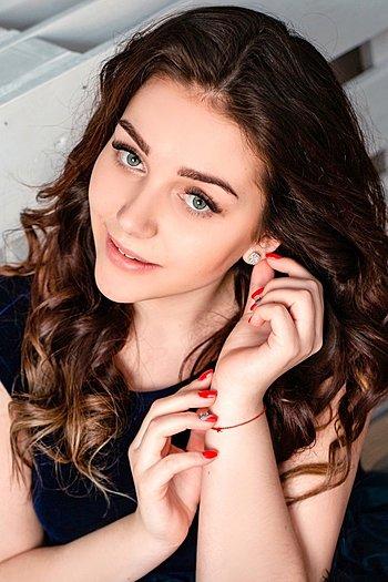Anastasiia age 20