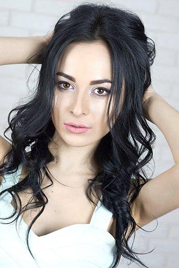 Alina age 24