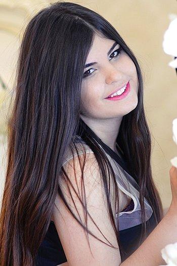 Elvina age 27