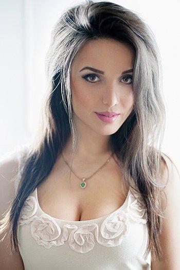 Anastasiya age 25