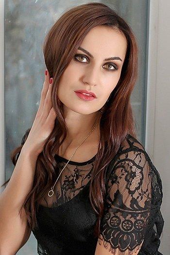 Yulia age 33