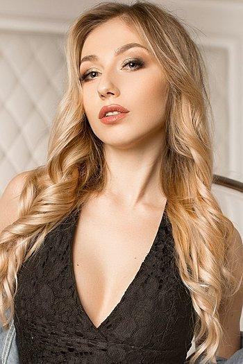 Valeria age 25