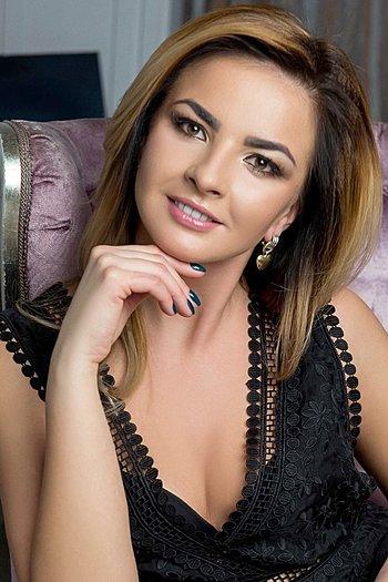 Julya age 31