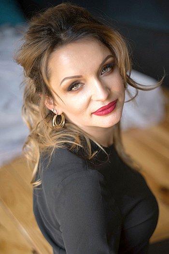 Maria age 38