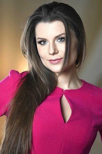 Yulia age 28