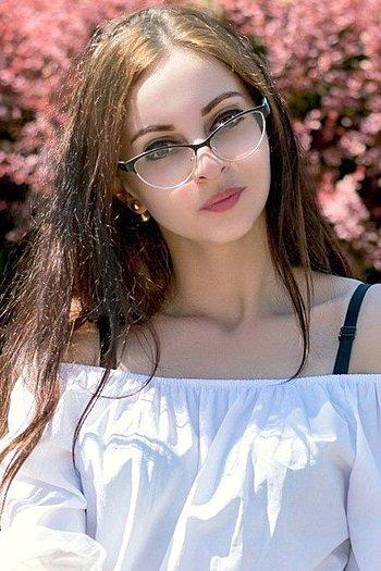 Darina age 21