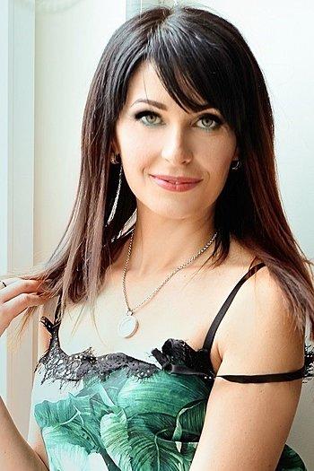 Anna age 41
