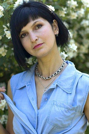 Elena age 36