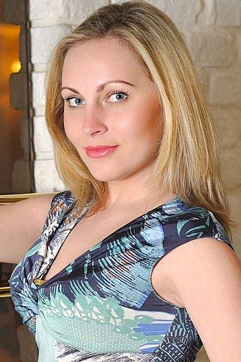 Yulia age 35