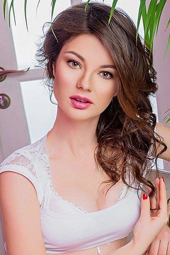 Elena age 24