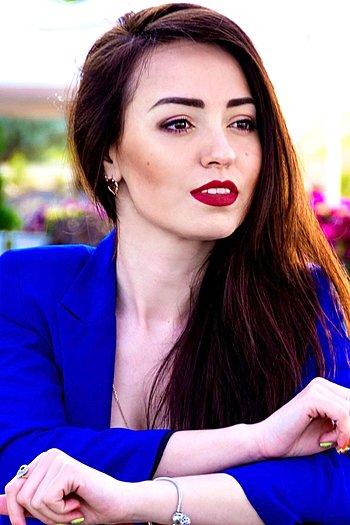 Zoya age 24