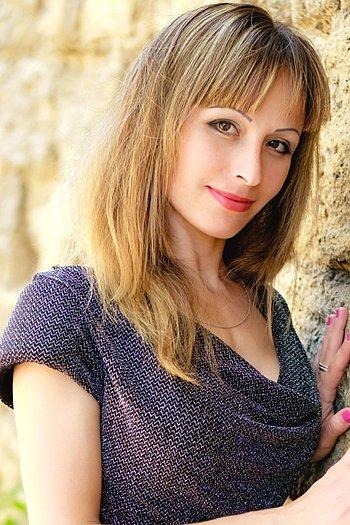 Viktoriya age 29