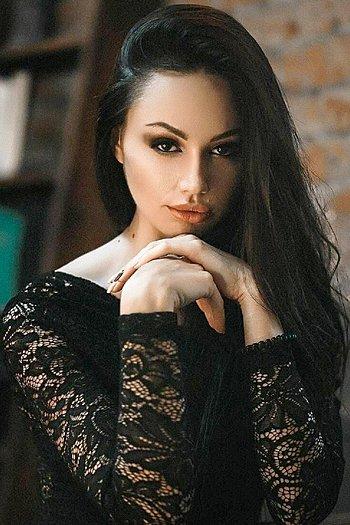 Oksana age 26