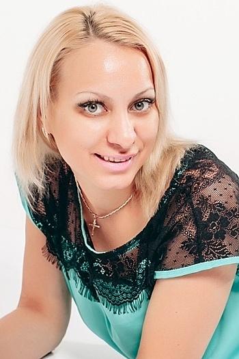 Juliia age 31