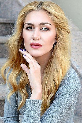 Alisa age 23
