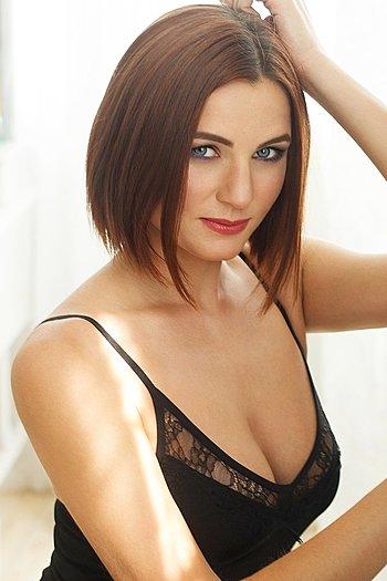 Oksana age 27