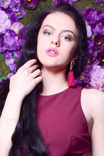 Alina age 18