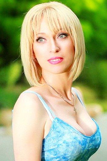 Angela age 41