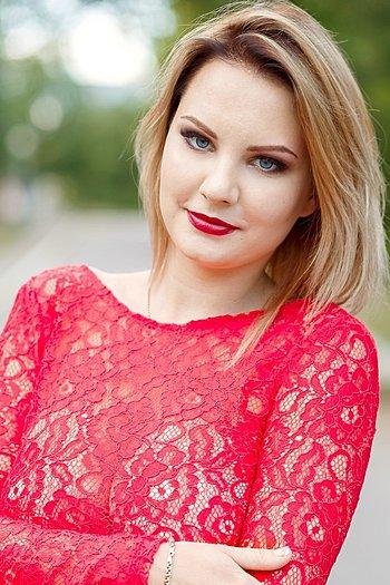 Alena age 24
