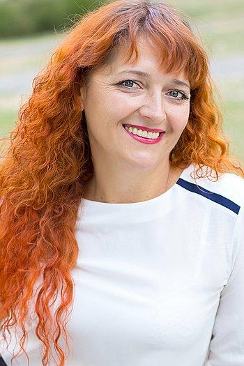 Oksana age 42