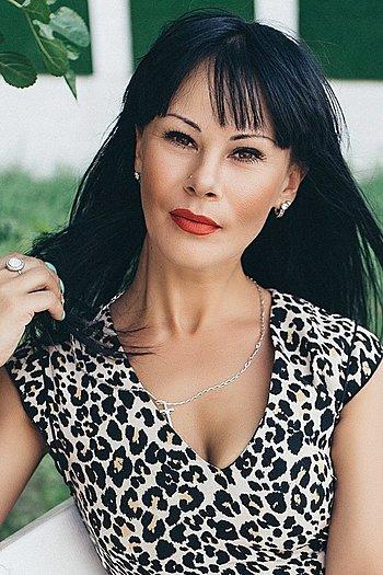 Irina age 32