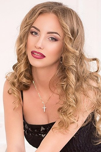 Viktoria age 30