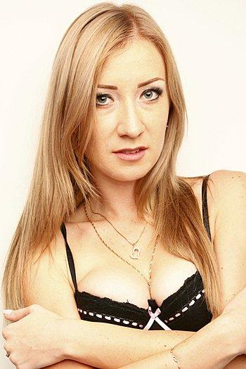 Victoria age 25