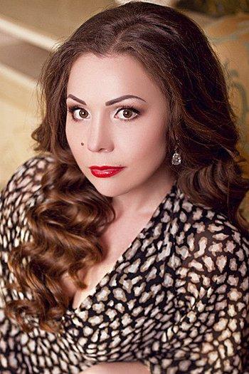 Anastasia age 33