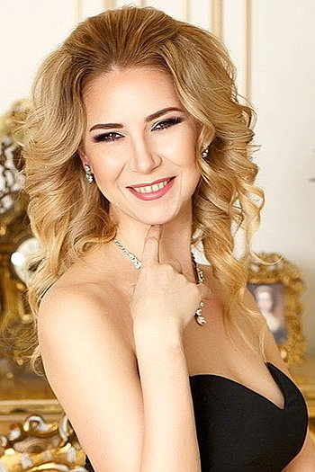 Oksana age 46