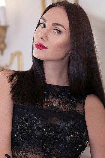 Yana age 31