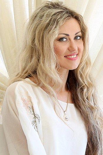 Yana age 33