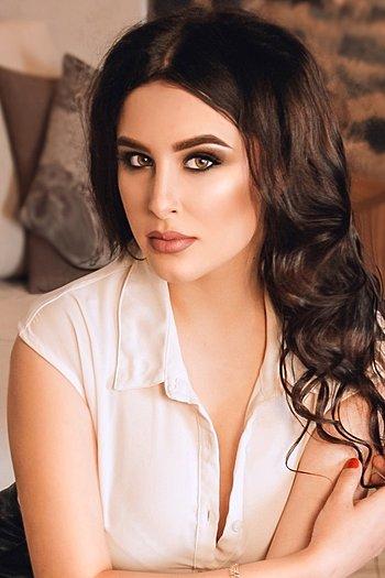 Valeriya age 18