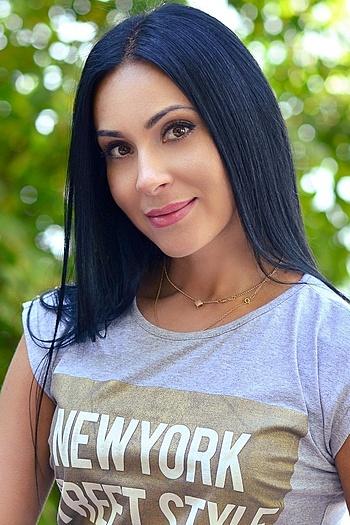 Oksana age 36