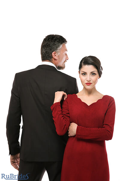 how to not let a woman manipulate you